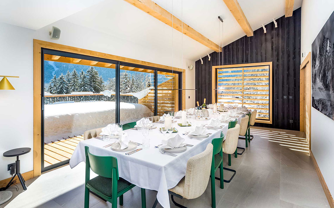 Le Chalet Mont Blanc Chamonix dining table