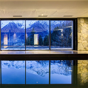 Le Chalet Mont Blanc indoor swimming pool